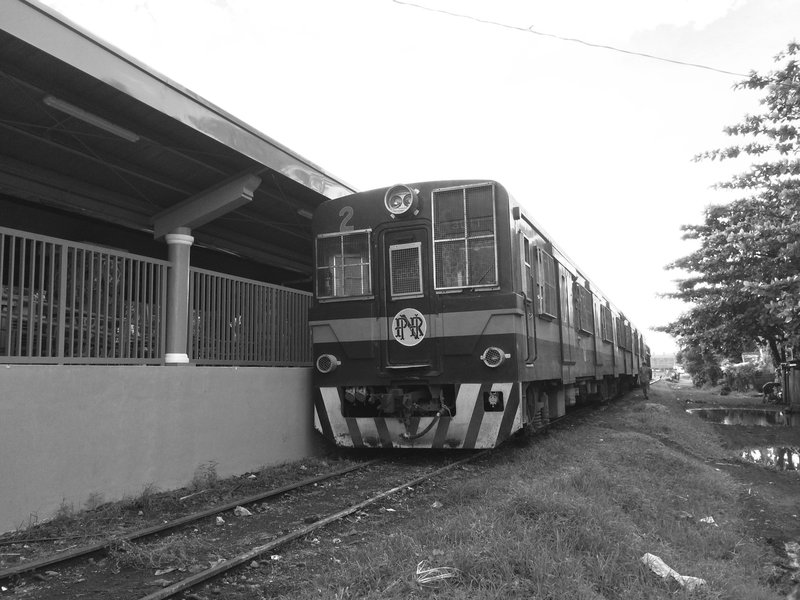 A Philippine National Railways train waiting at Legazpi station.