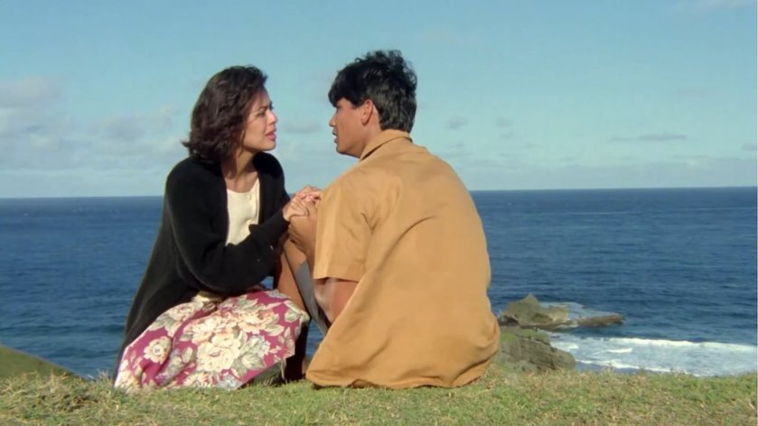 Dawn Zulueta and Richard Gomez as Carmina and Gabriel on a promontory in 'Hihintayin Kita Sa Langit' (1991).