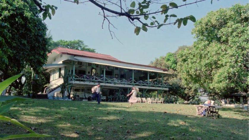 A hacienda and its lawn, in 'Hihintayin Kita Sa Langit' (1991).