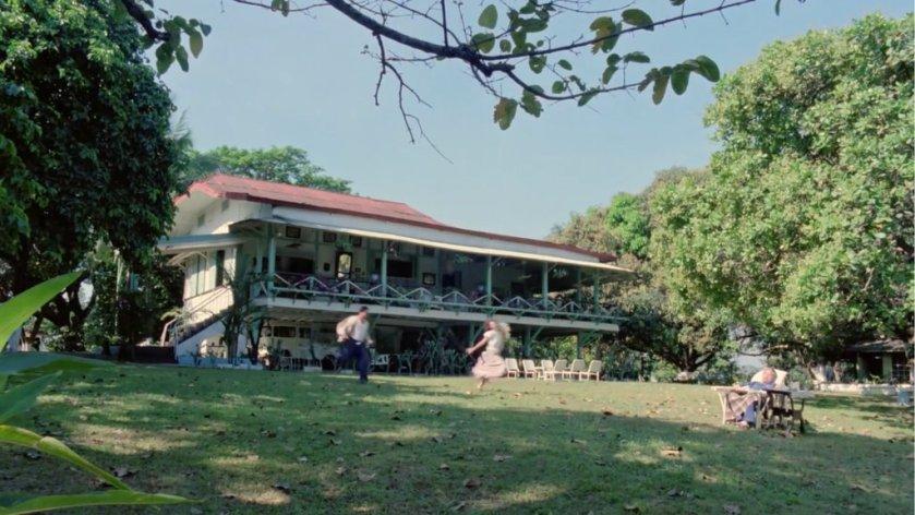 A hacienda and its lawn, in 'Hihintayin Kita Sa Langit' (1991).