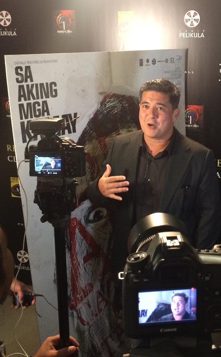 Aga Muhlach talking to the press at the premiere of the restored 'Sa Aking Mga Kamay', in Makati City, April 2017.